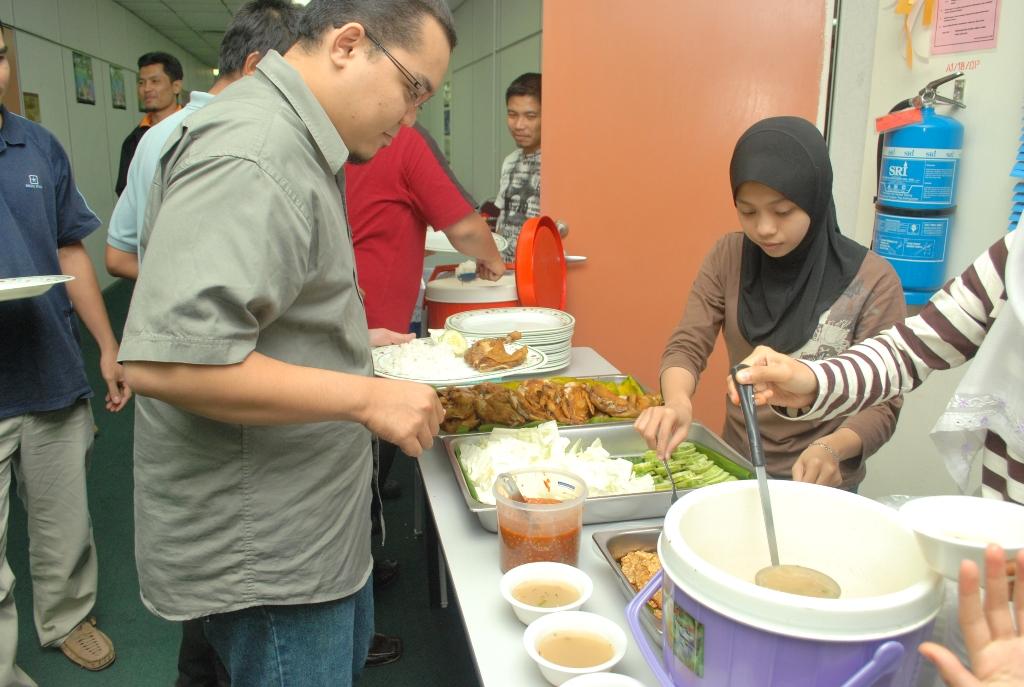 Nasi Ayam penyet yang dinantikan